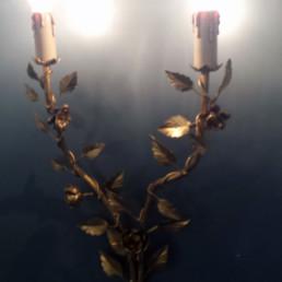 Applique in ferro dipinto in tinta oro con rose